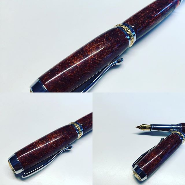 Resin with brass and silver particles turned into a nice pen #penturning