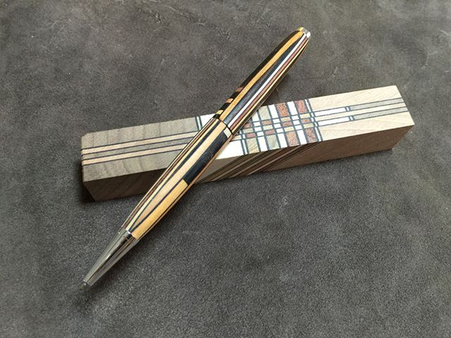 Puzzle wood pen for smooth writing