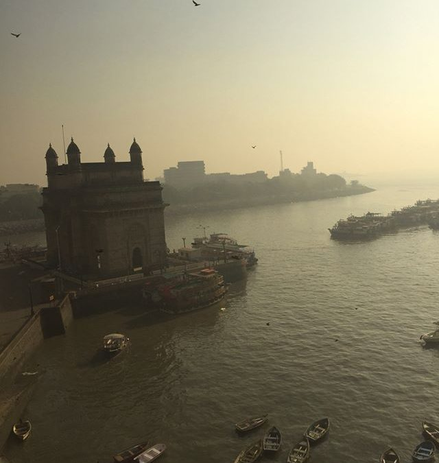 Ready for boarding in the early morning #gatewayofindia #tajpalacehotel
