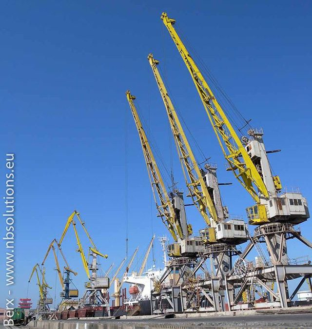 Cranes ready for work, 2010 #portsandterminals #portpictures #logistics #portphotography #ports